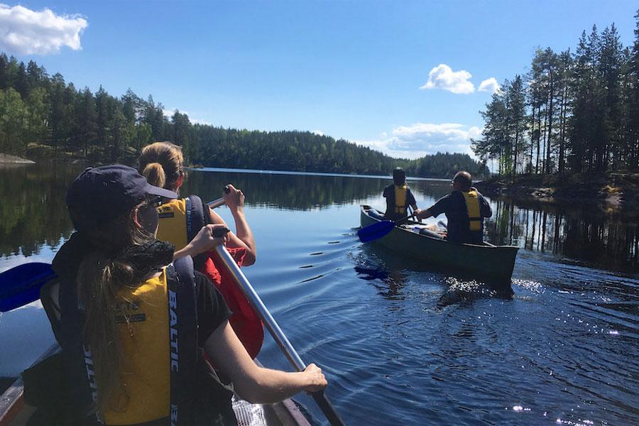 Linnansaari_canoe_safari_-LakeLandGTE
